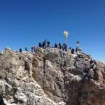 Gipfelkreuz mit Wagemutigen