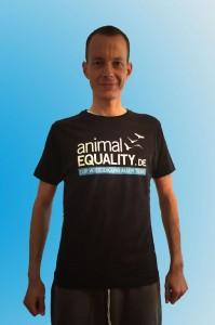 Henrik-im-AE-Shirt